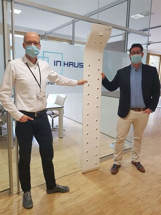 Marvin of our sales team showing Valiryo to the Head of Fraunehofer InHaus
